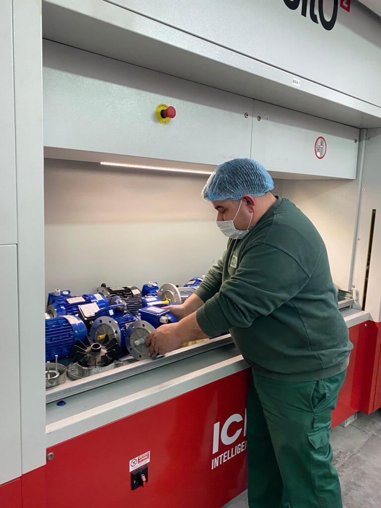 ICAM Online En | SILO² Vertical Lift Module for the Delizia's 4.0 dairy