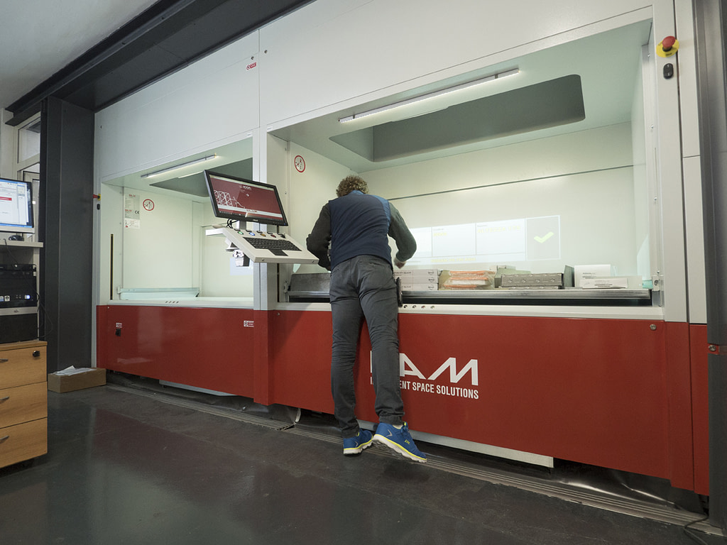 ICAM Online En | Increase of spare parts sales thanks to SILO² Vertical Lift Module for Regie Auto